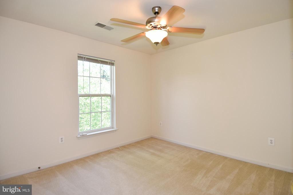 Bedroom 3 - 15004 LUTZ CT, WOODBRIDGE