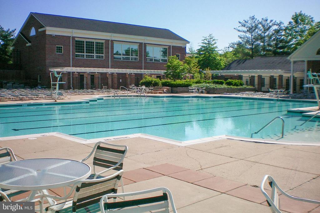 Penderbrook pool (condos have access) - 3903 PENDERVIEW DR #1526, FAIRFAX