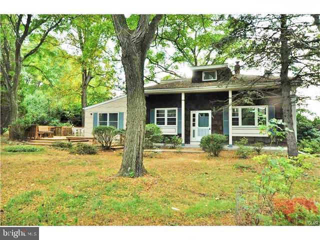 Single Family Homes para Venda às Glen Gardner, Nova Jersey 08826 Estados Unidos