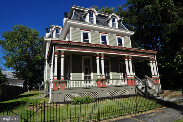 Single Family Homes للـ Sale في Frenchtown, New Jersey 08825 United States