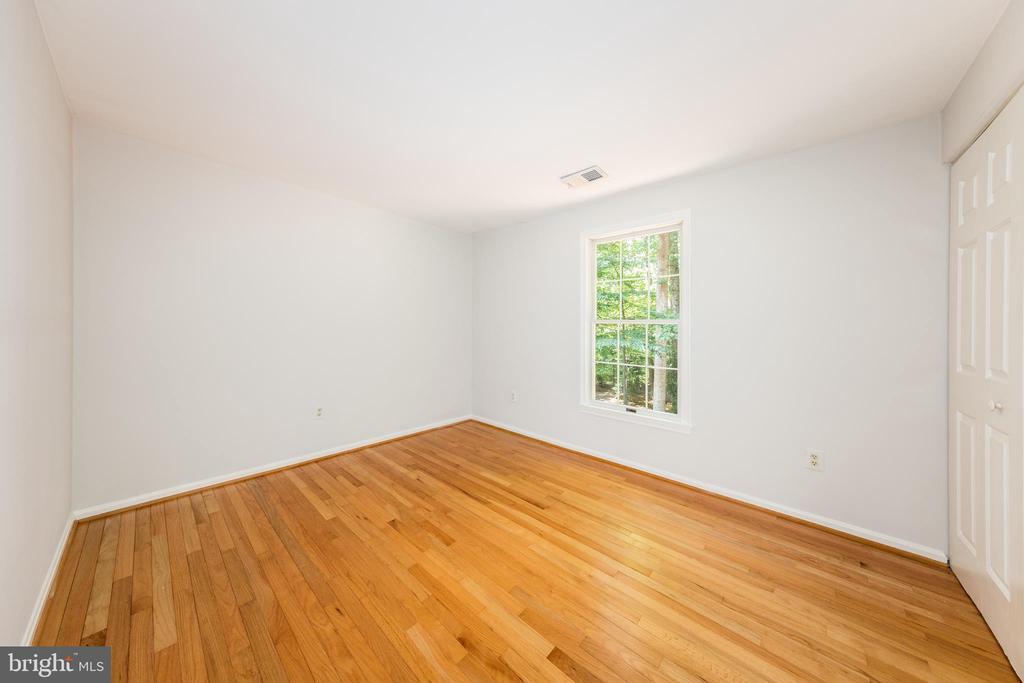 Bedroom #2 - 7100 LAKETREE DR, FAIRFAX STATION
