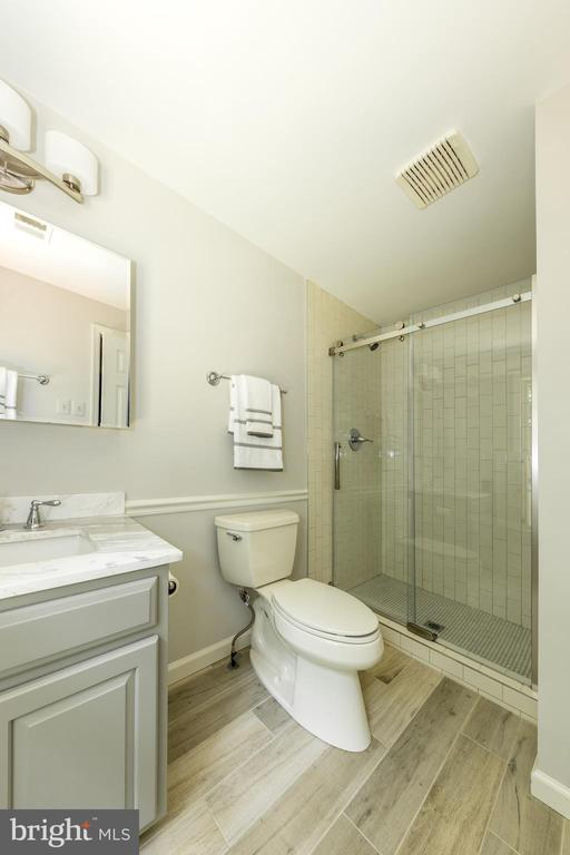 Master bath with all new finishes! - 7100 LAKETREE DR, FAIRFAX STATION