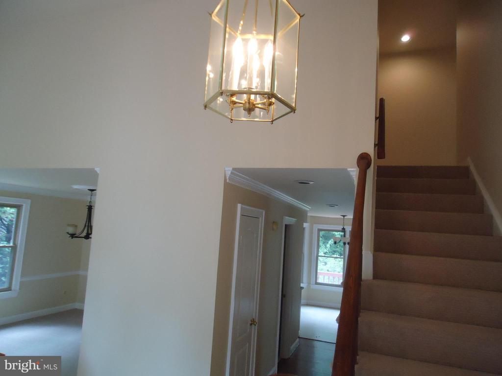 Foyer view - 13426 CAVALIER WOODS DR, CLIFTON