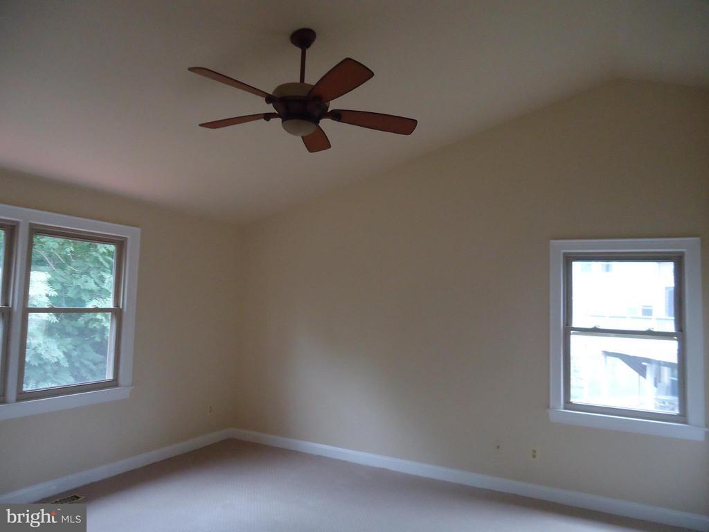 Master bedroom - 13426 CAVALIER WOODS DR, CLIFTON