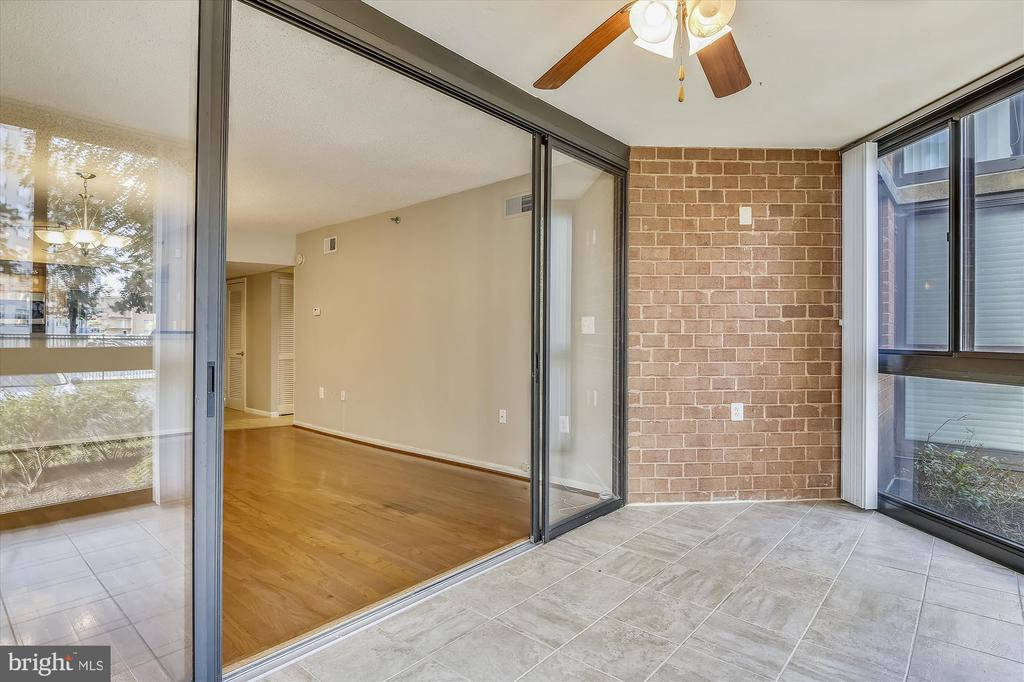 With Great Light and Flow - 1001 N RANDOLPH ST #107, ARLINGTON