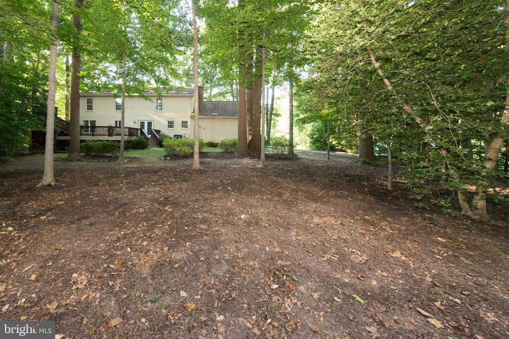 Large area ready for to play & place your toys! - 7100 LAKETREE DR, FAIRFAX STATION