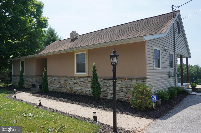 Single Family Homes για την Πώληση στο Windsor, Πενσιλβανια 17366 Ηνωμένες Πολιτείες