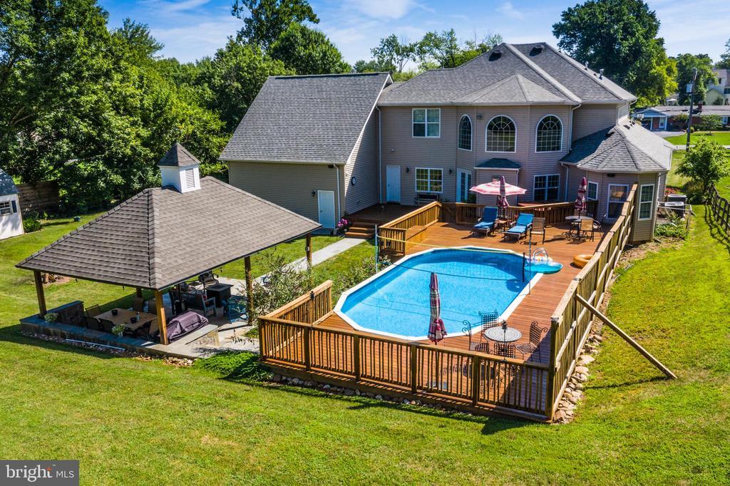 View of backyard deck, pool, pavillion - 20193 BROAD RUN DR, STERLING