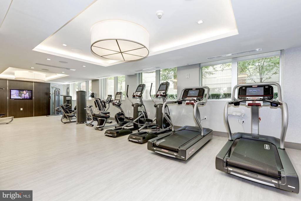 Fitness room - 4901 HAMPDEN LN #PH-703, BETHESDA