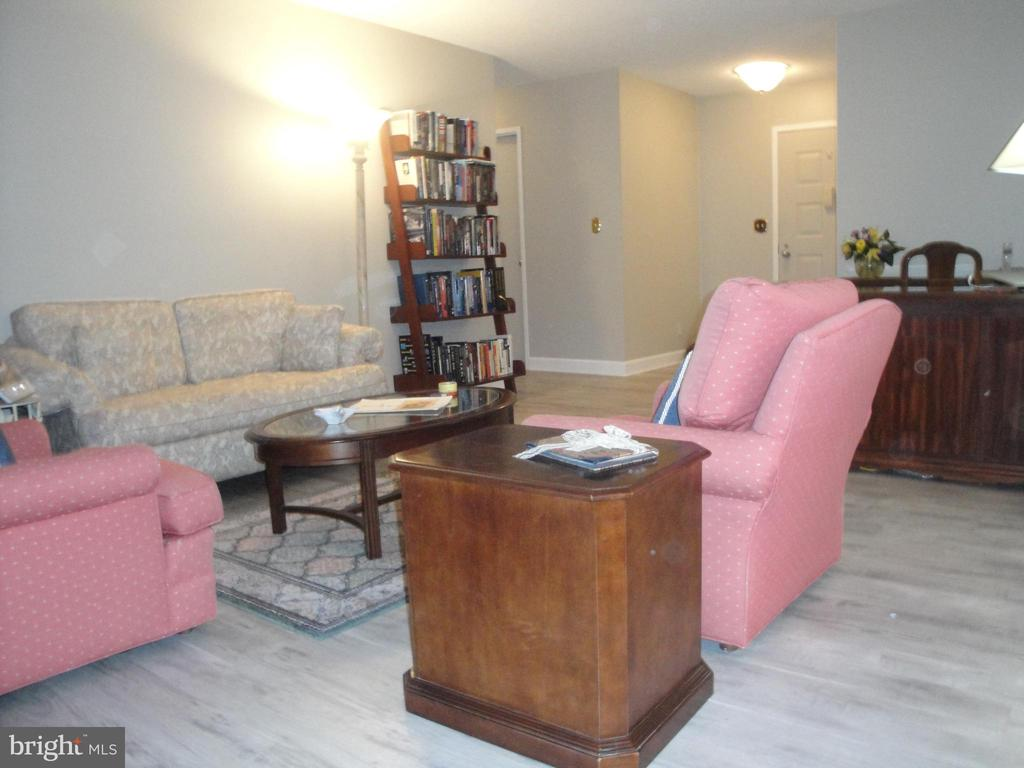 Facing Living Room from Dining Room - 8380 GREENSBORO DR #721, MCLEAN