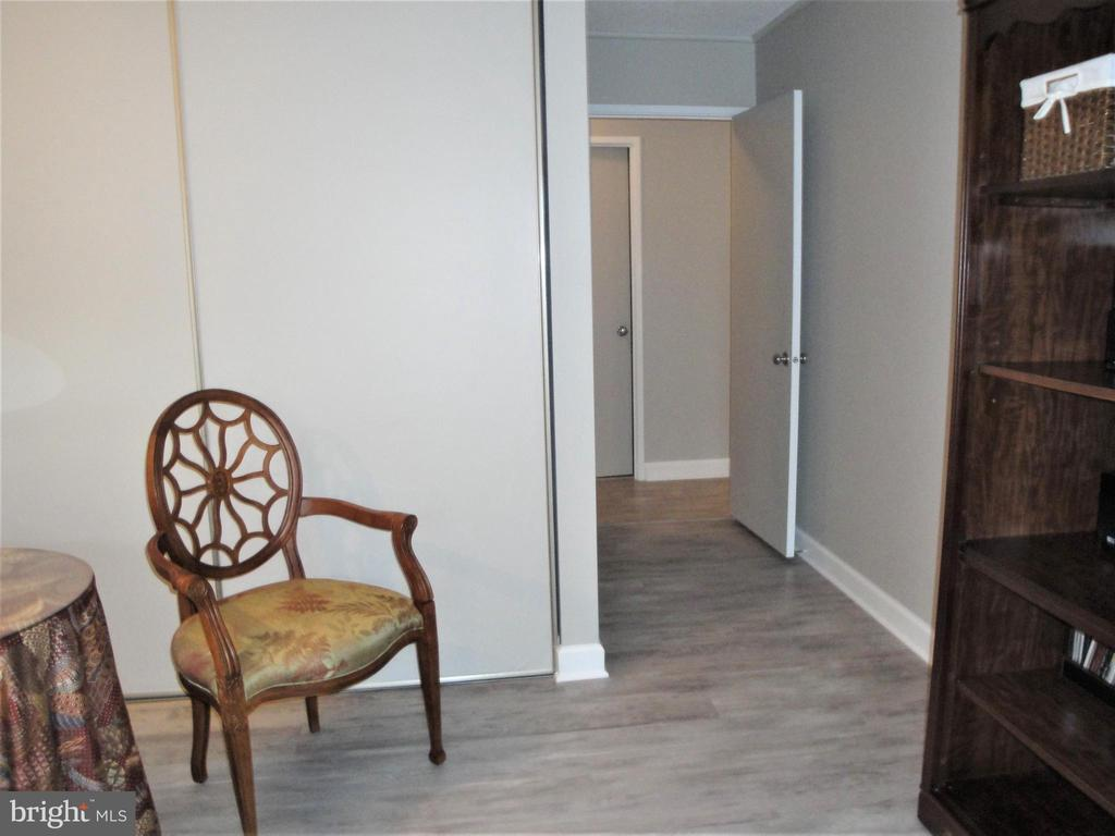 2nd Bedroom Across from Full Bath - 8380 GREENSBORO DR #721, MCLEAN