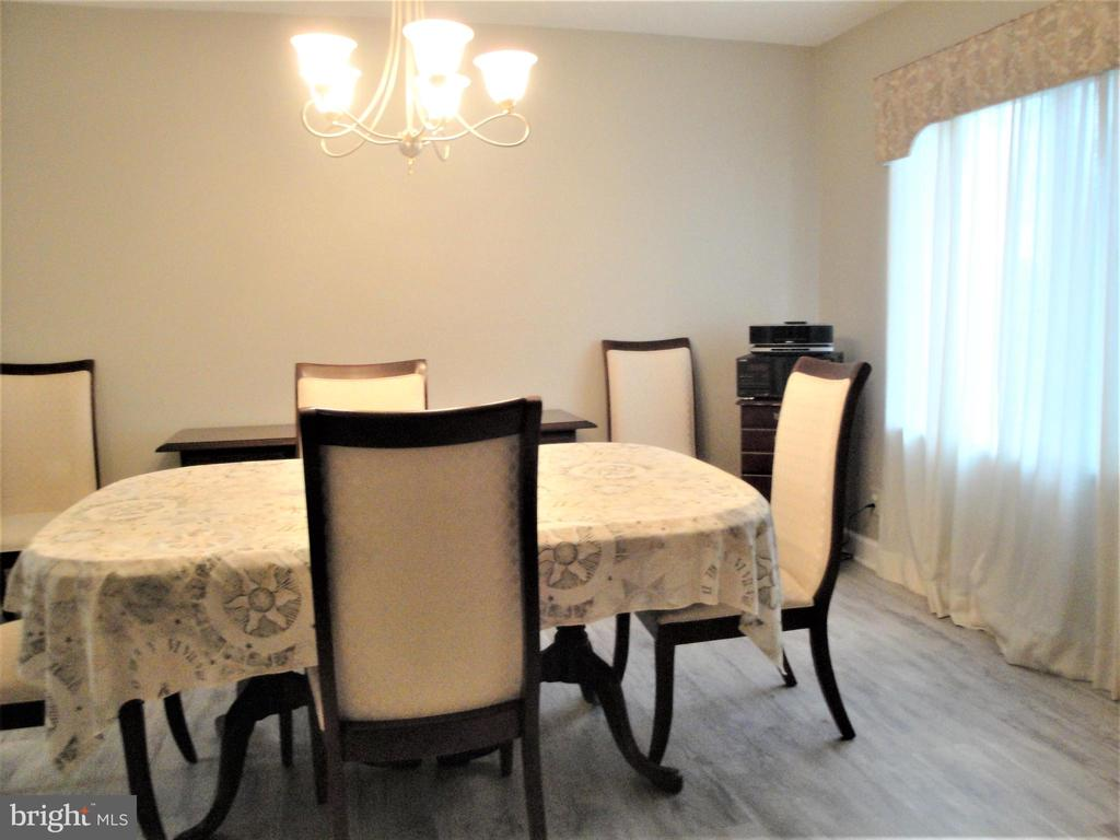 Dining Room - 8380 GREENSBORO DR #721, MCLEAN