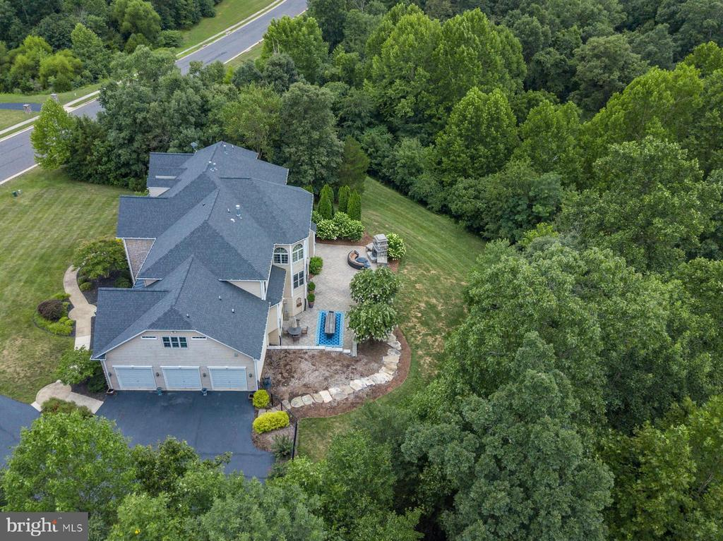 - 42916 CEDAR RIDGE BLVD, CHANTILLY