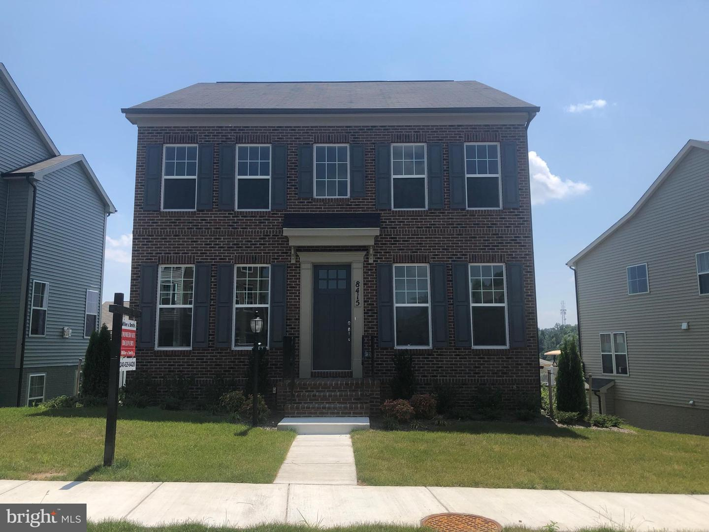 Single Family for Sale at 8415 Pine Bluff Rd Frederick, Maryland 21704 United States