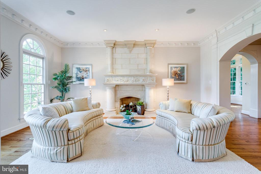 Living Room with Custom Fireplace - 7787 GLENHAVEN CT, MCLEAN
