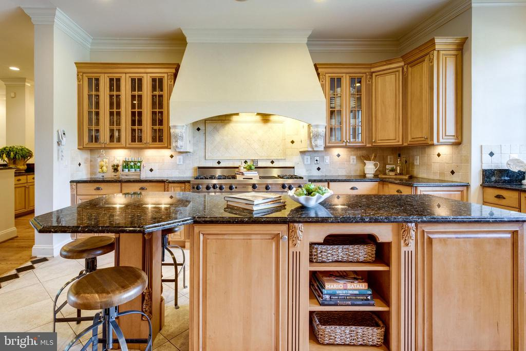 Kitchen - 7787 GLENHAVEN CT, MCLEAN