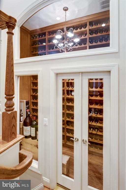 Custom Wine Cellar - 7787 GLENHAVEN CT, MCLEAN