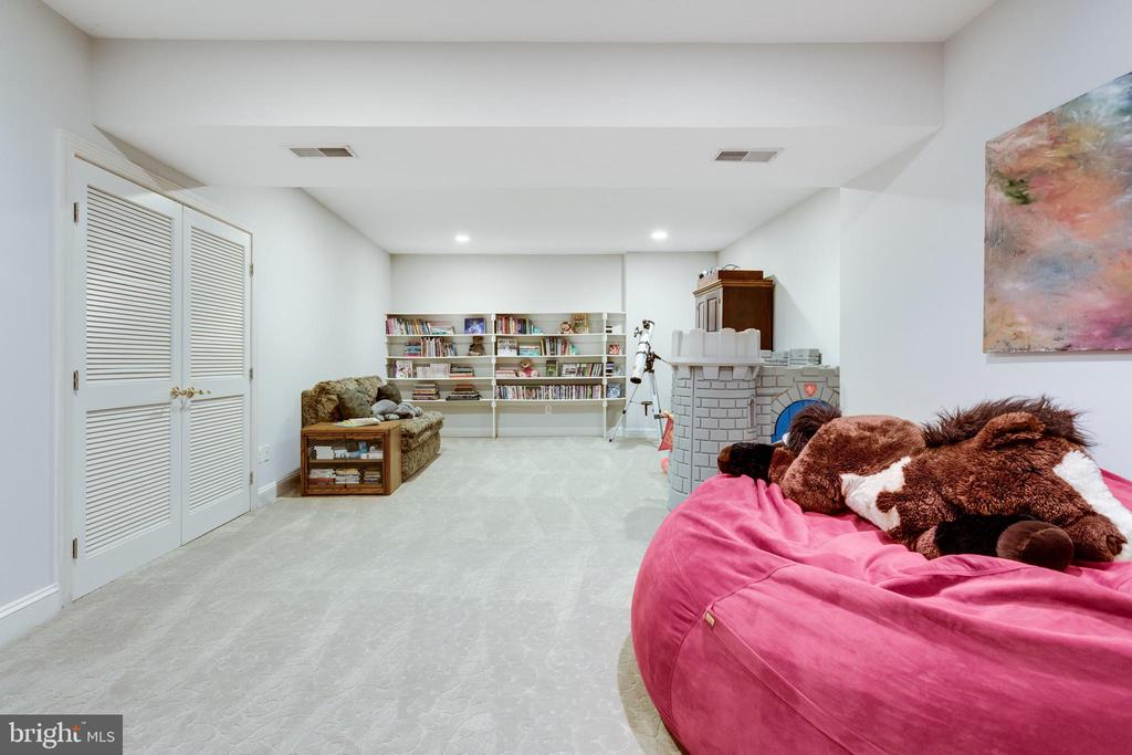Playroom - 7787 GLENHAVEN CT, MCLEAN