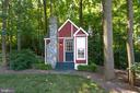 Storybook Art Studio / Playhouse w/electricity - 7787 GLENHAVEN CT, MCLEAN