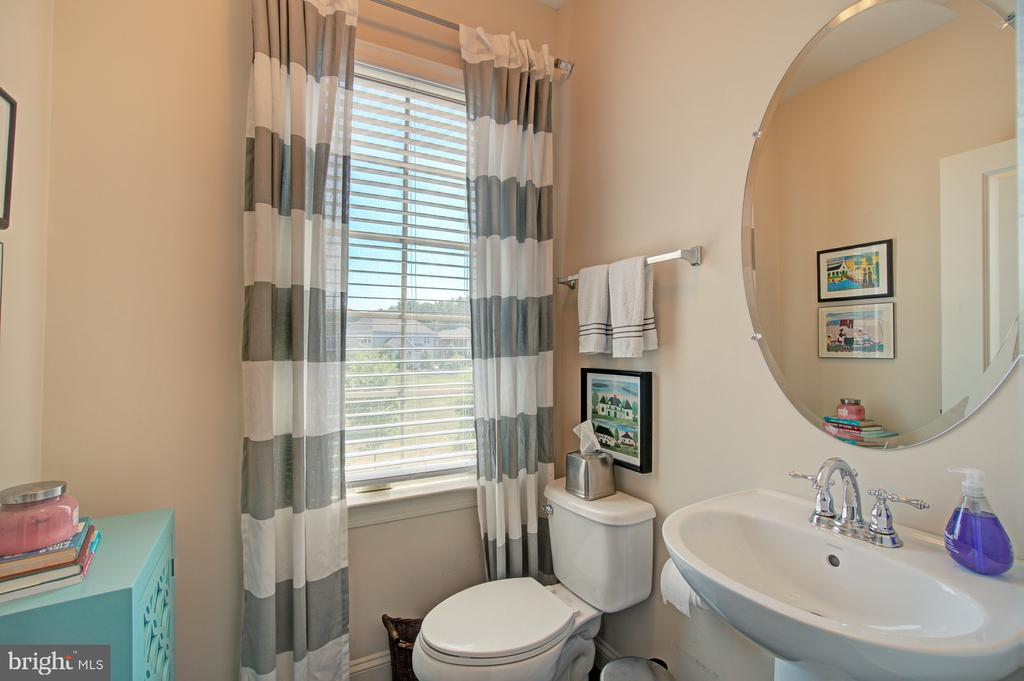 Cute 1/2 Bath on the Main Level - 42245 BLISS TER, BRAMBLETON