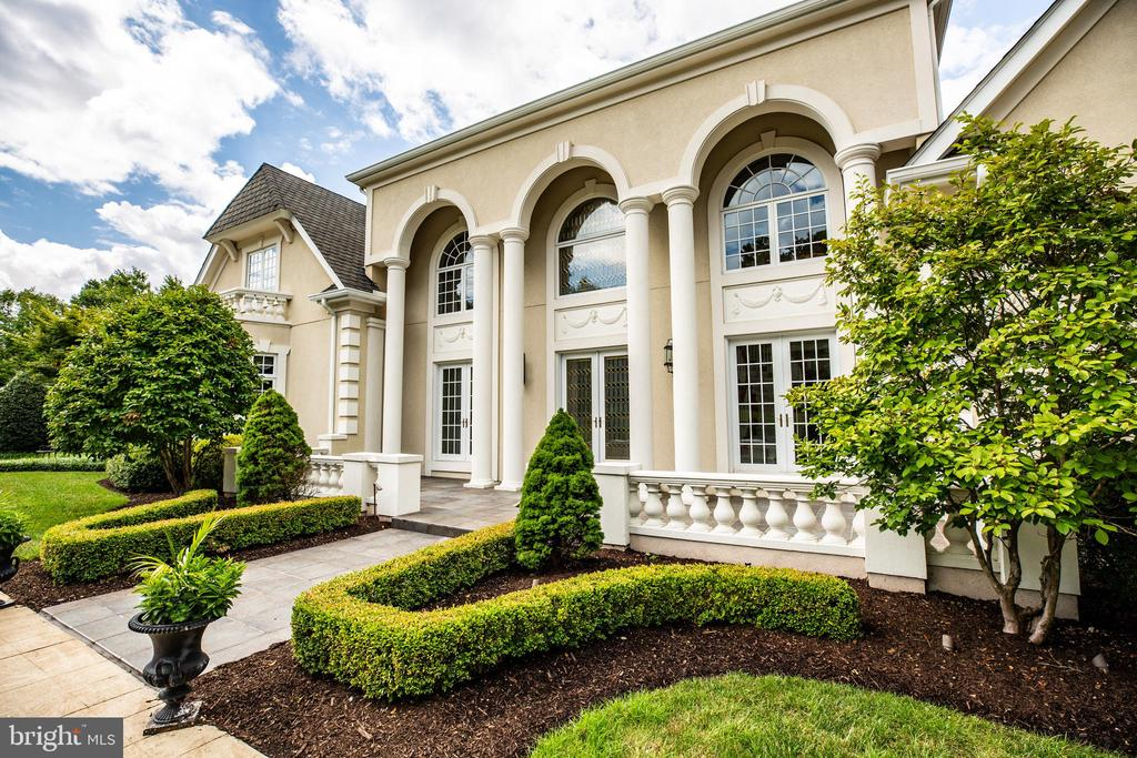 BEAUTIFUL LANDSCAPING - 11510 BALDY EWELL WAY, SPOTSYLVANIA
