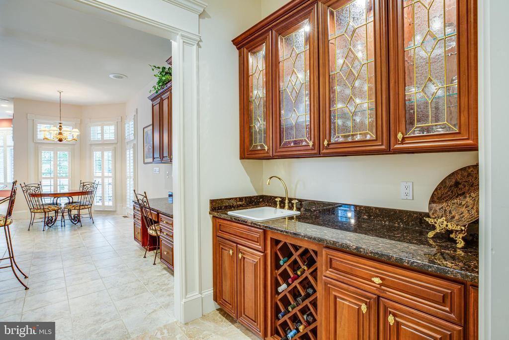 WET BAR - 11510 BALDY EWELL WAY, SPOTSYLVANIA