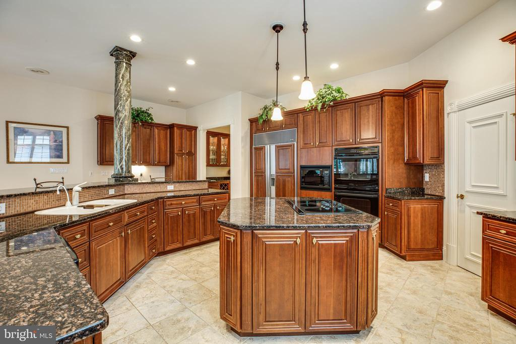 GOURMET KITCHEN - 11510 BALDY EWELL WAY, SPOTSYLVANIA