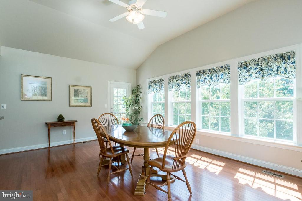 Sunlit Sunroom with Serene Treed Views - 8637 CHANGING LEAF TER, BRISTOW