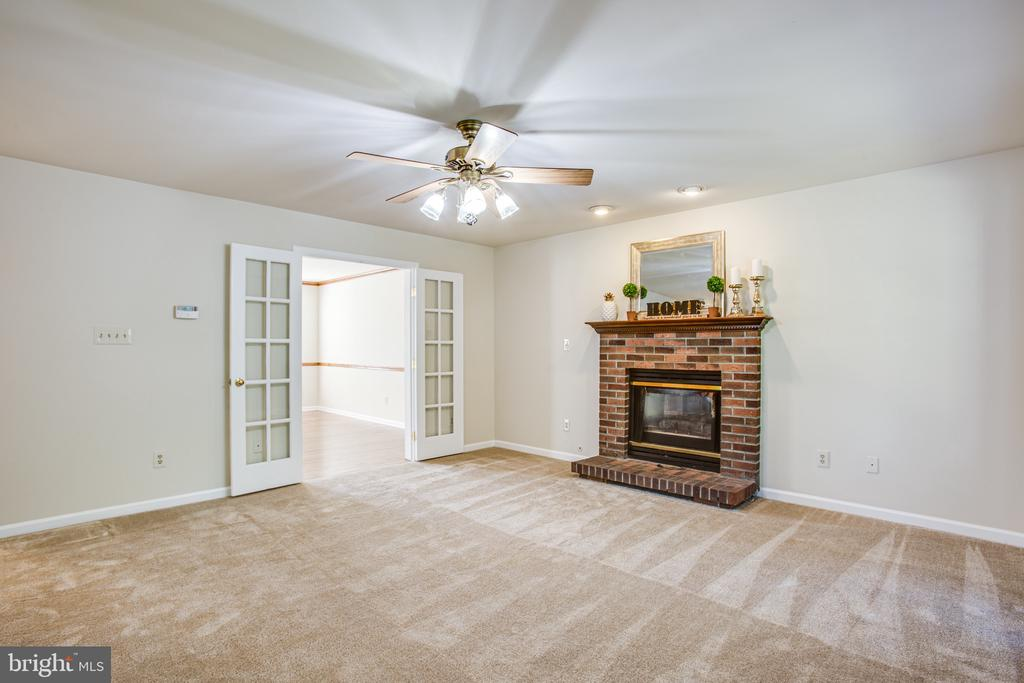 Family room - 8 JONQUIL PL, STAFFORD