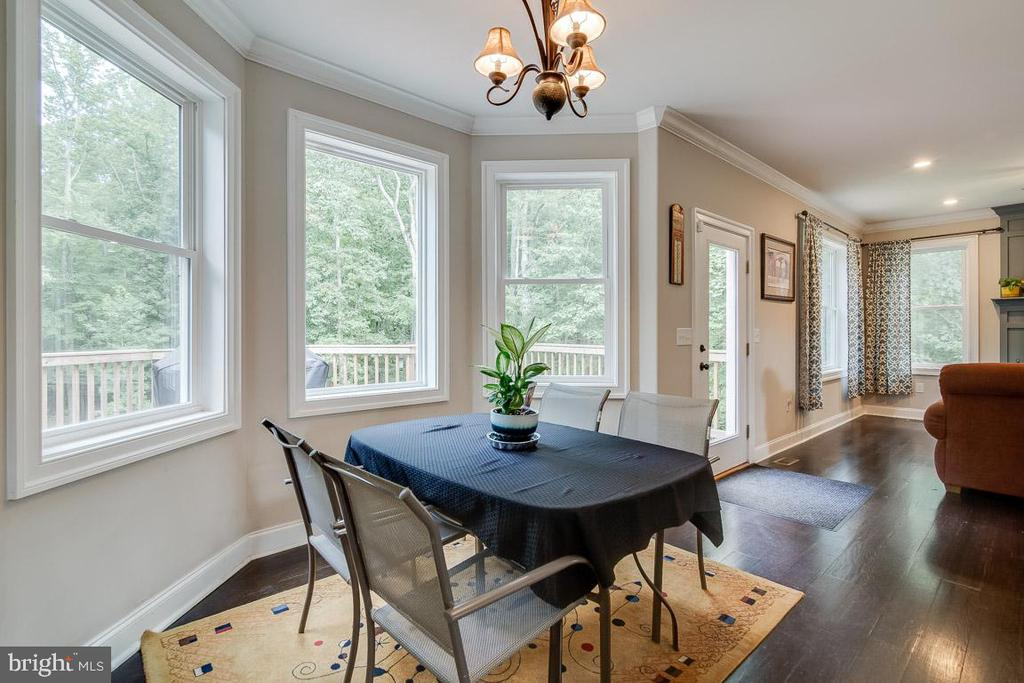 Kitchen Dining Area with Bay Window - 838 HARTWOOD RD, FREDERICKSBURG