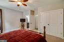 Main Level Bedroom to Bath - 838 HARTWOOD RD, FREDERICKSBURG