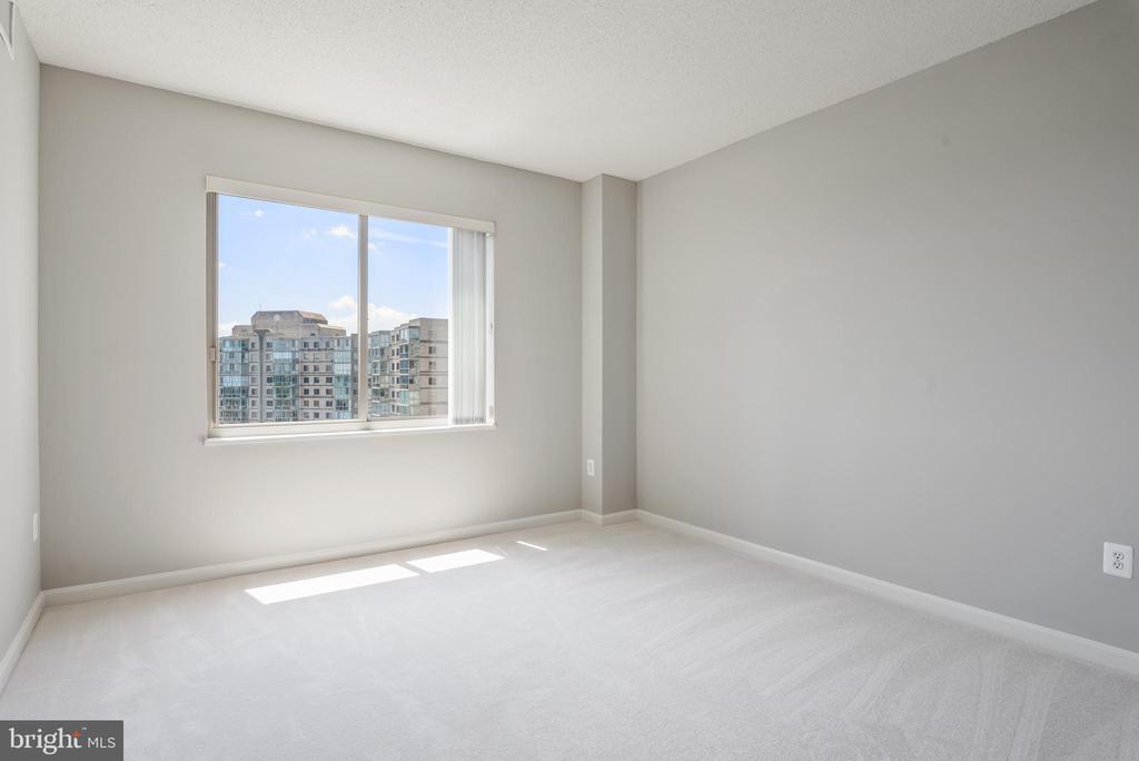 Master Bedroom  with great view! - 19365 CYPRESS RIDGE TER #715, LEESBURG