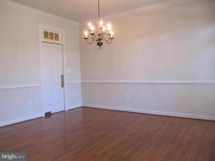 Large Dining room - 24907 PINEBROOK RD, CHANTILLY