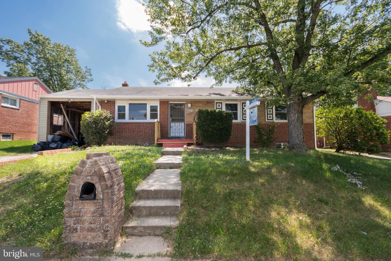 Single Family Homes pour l Vente à District Heights, Maryland 20747 États-Unis