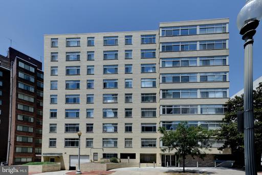 2401 H ST NW #208