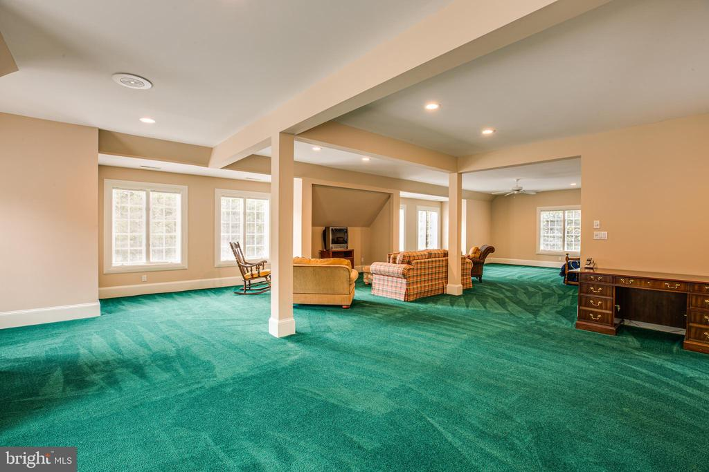 LARGE ROOM OVER GARAGE - 11510 BALDY EWELL WAY, SPOTSYLVANIA