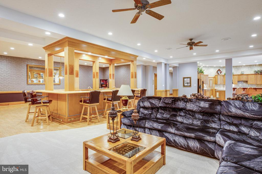 BAR AND FAMILY ROOM ON LOWER LEVEL - 11510 BALDY EWELL WAY, SPOTSYLVANIA
