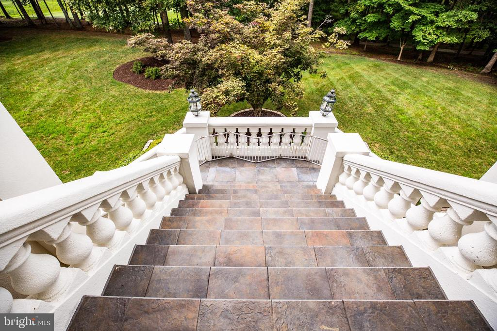 GRAND OUTDOOR STAIRCASE - 11510 BALDY EWELL WAY, SPOTSYLVANIA