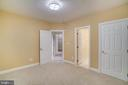 Bedroom with full en suite bathroom - 862 CENTRILLION DR, MCLEAN