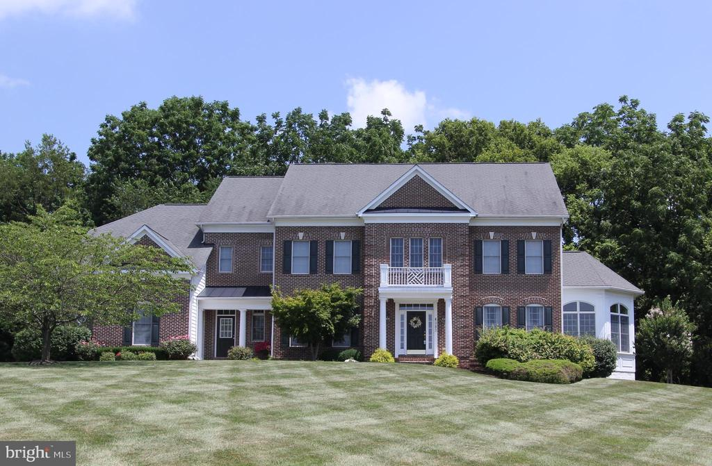 Fabulous estate property backing to woods - 4303 SARATOGA SPRINGS CT, MIDDLETOWN