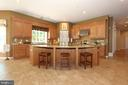 Huge gourmet kitchen with island and breakfast bar - 4303 SARATOGA SPRINGS CT, MIDDLETOWN