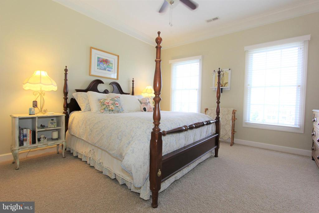 Bedroom 2, a second master with walk-in closet - 4303 SARATOGA SPRINGS CT, MIDDLETOWN