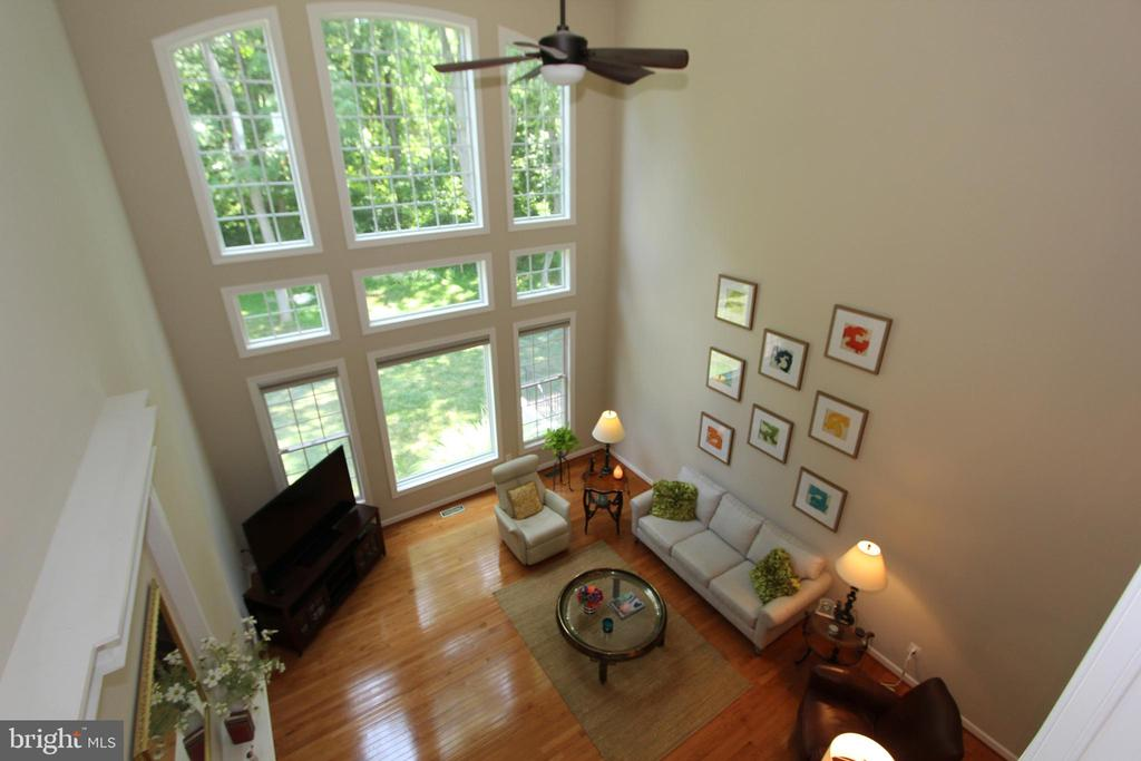 Second story overlook to Great Room and woods - 4303 SARATOGA SPRINGS CT, MIDDLETOWN