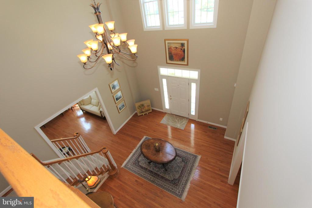 Second story overlook to foyer - 4303 SARATOGA SPRINGS CT, MIDDLETOWN