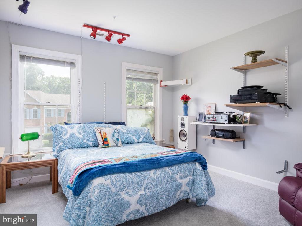 Bedroom 3 - 6912 WINTER LN, ANNANDALE