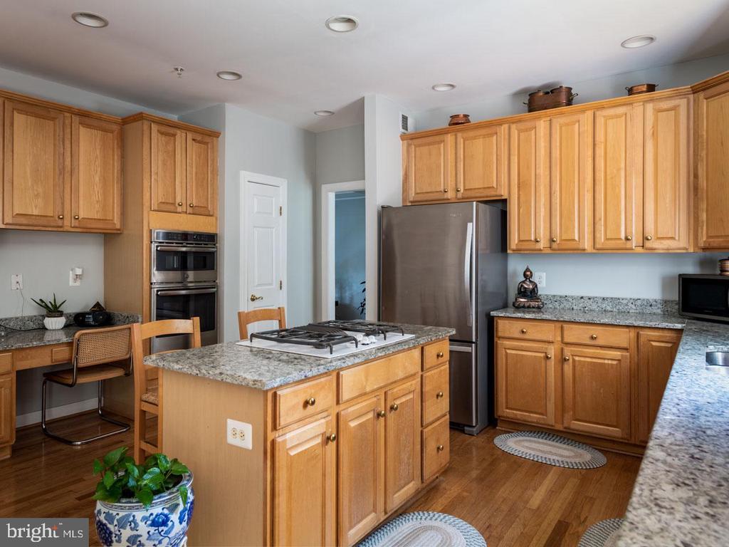 Kitchen - 6912 WINTER LN, ANNANDALE