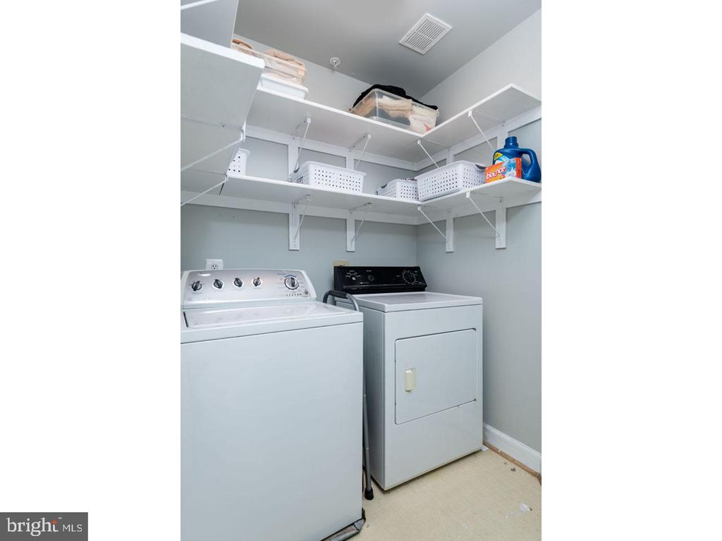 Laundry - 6912 WINTER LN, ANNANDALE
