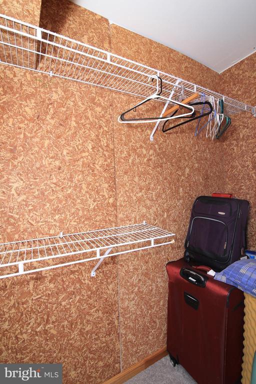 LL Cedar Closet - 15046 SILVER LEAF CT, DUMFRIES