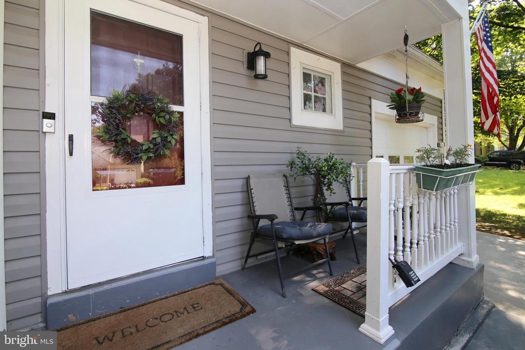 Front Porch - 15046 SILVER LEAF CT, DUMFRIES