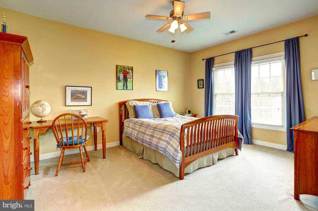 Bedroom 4 with Full Bath ensuite - 22910 PEACH TREE RD, CLARKSBURG